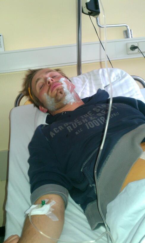 Operation  erfolgreich, Patient zu Späßchen aufgelegt