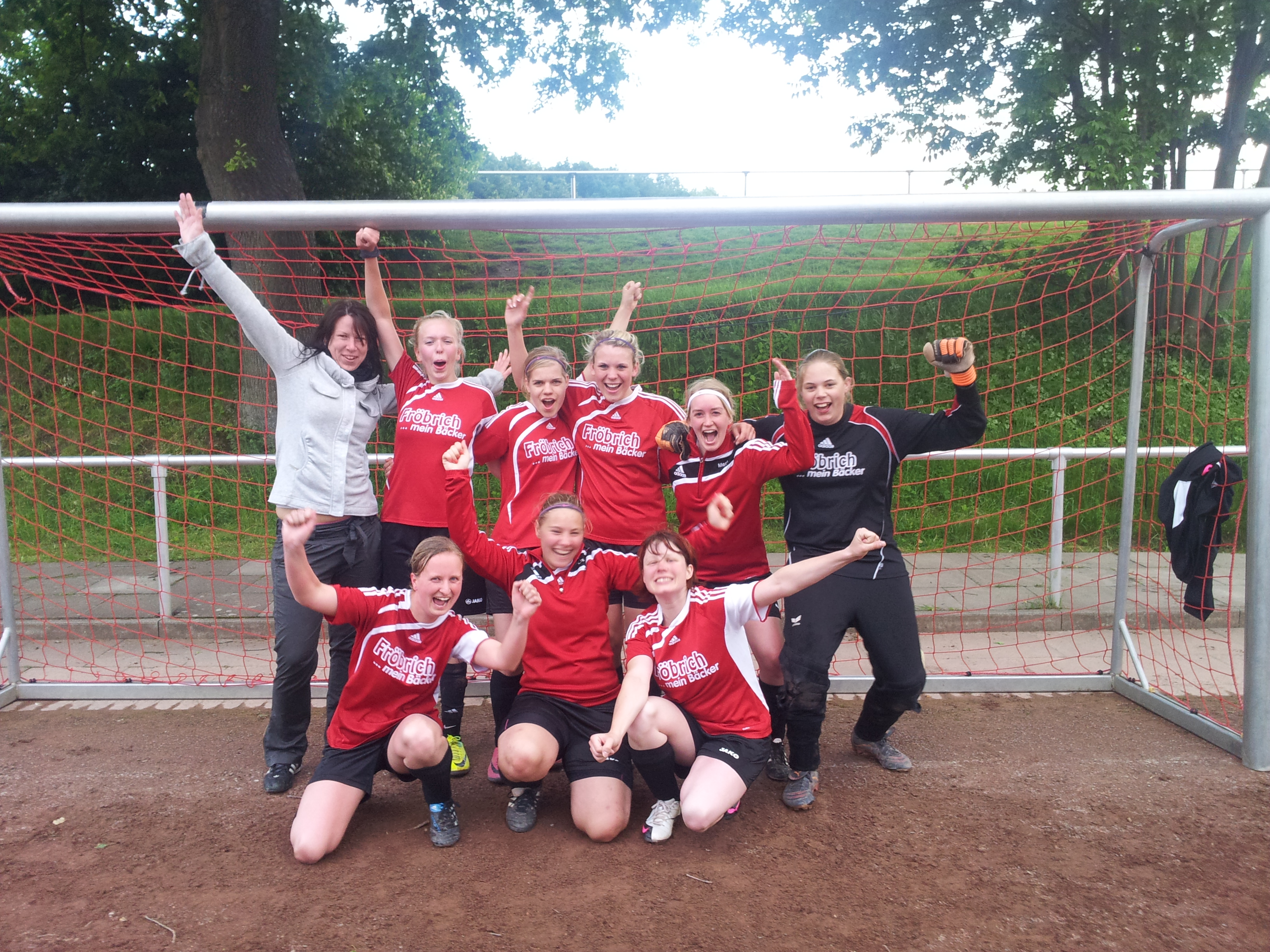 Zweite Damenmannschaft ebenfalls Meister – Grandioser 7:0 Sieg gegen Blomberg