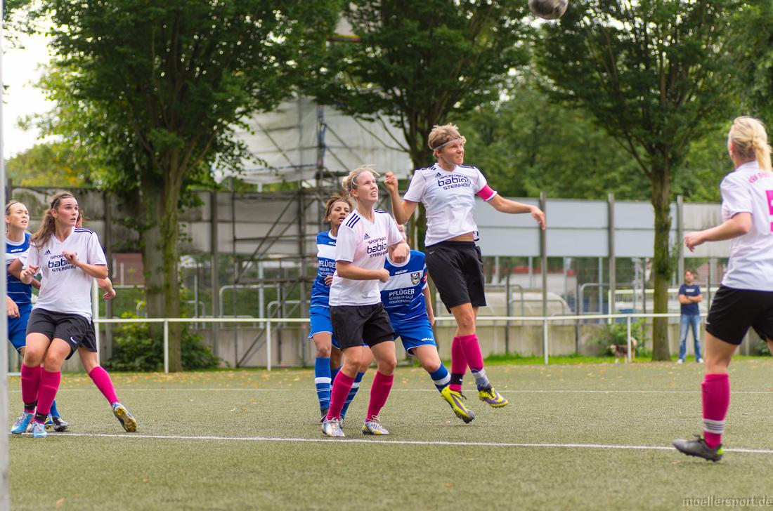 Bilder vom Spiel der Damen gegen den SC Wiedenbrück